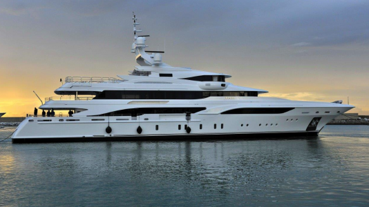benetti-formosa-superyacht-video-hajozashu