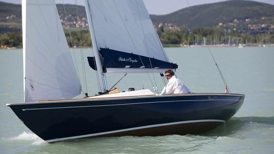 style-yacht-scholtz-hajoepites-balaton-hajozashu
