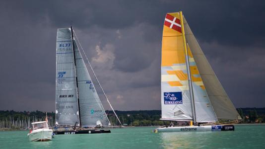 blackjacksl33-extreme-sailing-team-kekszalag-felkeszules-balaton-hajozashu