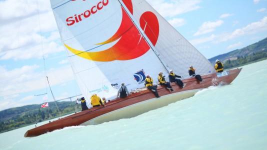48kekszalag-balaton-balatonfured-hajozas-vitorlazas-sailing-boat-catamaran-katamaran-hajozashu