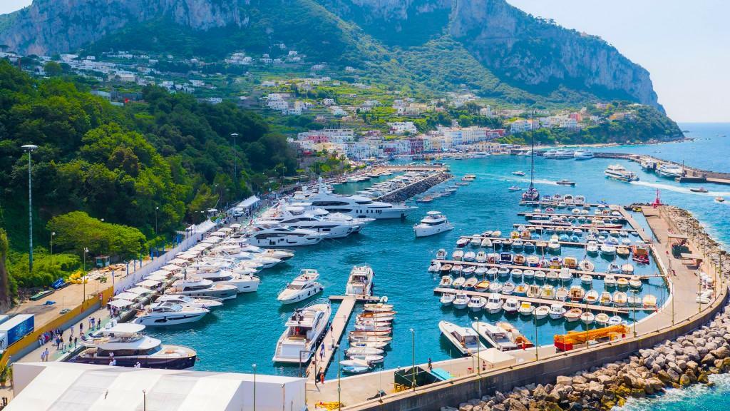 capri-italy-olaszorszag-legdragabb-kikoto-a-vilagon-vitorlazas-yacht-hajozashu
