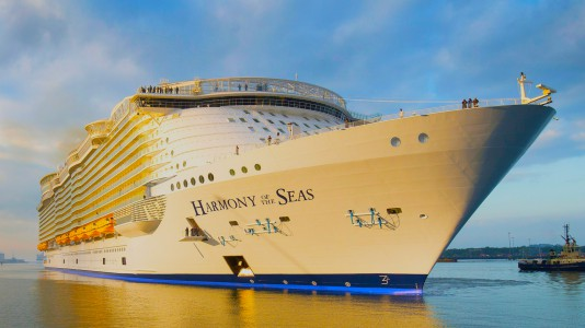 harmony-of-the-seas-tengerjaro-vilag-legnagyobb-utasszallito-hajoja-franciaorszag-baleset-leszakadt-csonak-halal-hajozashu