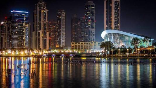 nightlife-dubai-opera-house-boat-design-yacht-luxury-hajozashu