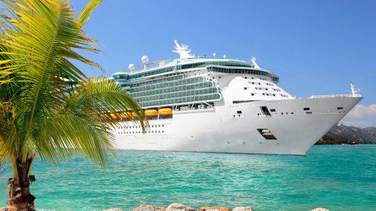 14-titok-luxushajok-oceanjaro-maldiv-szigetek-cruise-ship-hajozashu