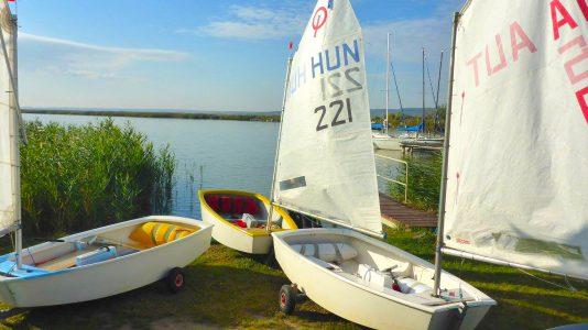evadzaro-vitorlazas-ferto-to-optimist-finn-sailing-hajozashu