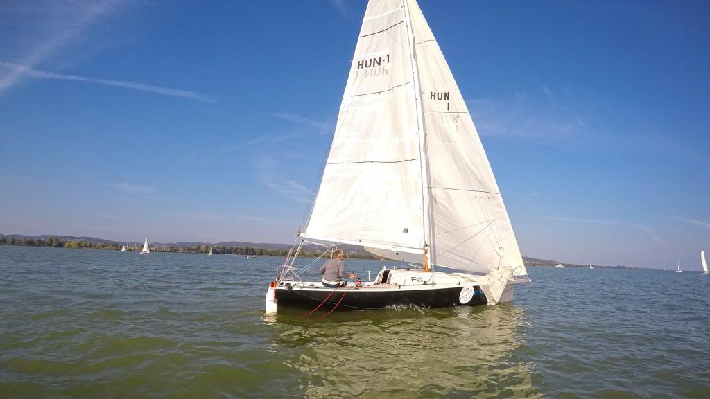 kolibri-fazekas-laszlo-balatonkerulo-szolovitorlazas-balatonfured-fa-nandor-sailing-hajozashu