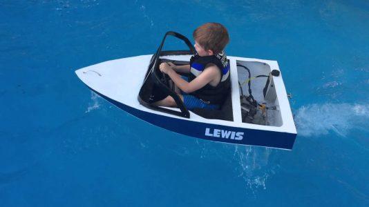 mini-motorcsonak-gyerekeknek-medence-hajozashu