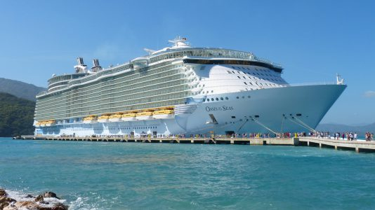 oasis-of-the-seas-royal-caribbean-tengerjaro-luxushajo-cruise-etelfogyasztas-ocean-hajozashu