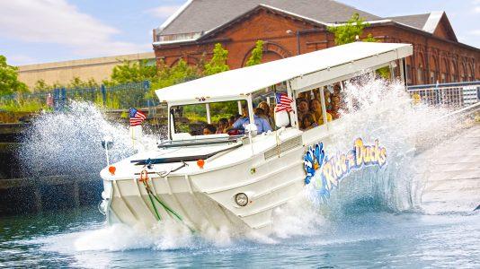 philadelphia-duck-boat-kacsahajo-magyar-diak-halal-crash-hajozashu