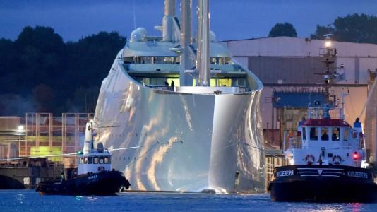 white-pearl-sailyacht-legnagyobb-vitorlas-hajo-andrej-melnyicsenko-hajozashu
