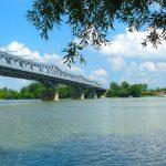 Teljes hajózárlat a bajai Duna-hídnál