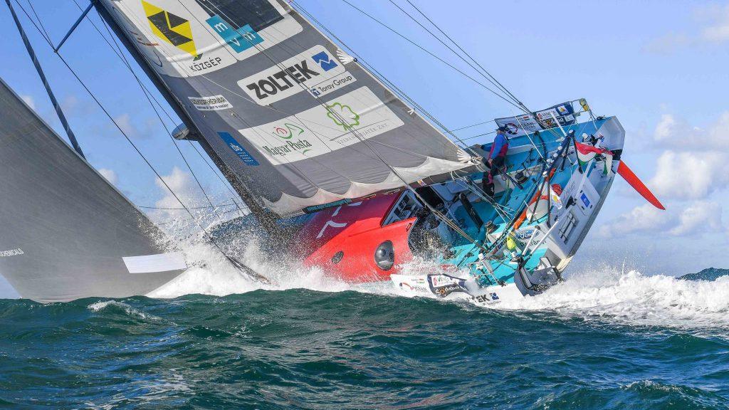 fa-nandor-spirit-of-hungary-vendee-globe-rajt-start-les-sables-dolonne-2016-vitorlazas-race-sailing-hajozashu