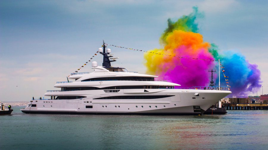 superyacht-cloud-9-launched-into-the-waters-of-ancona-hajozashu