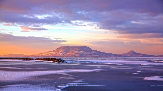szuszan-hajnalka-naplemente-balaton-badacsony-jeg-jegzajlas-sunset-hajozashu