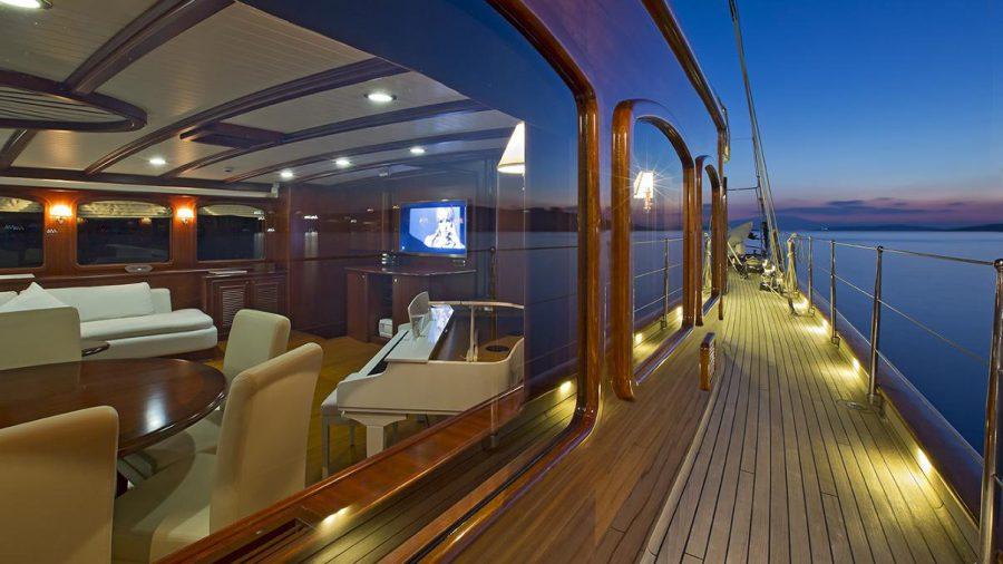yacht-regina-skyfall-james-bond-szuperjacht-jacht-luxus-hajozashu