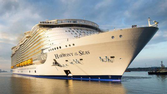 Harmony-of-the-Seas-legnagyobb-utasszallito-hajoja-hajozashu
