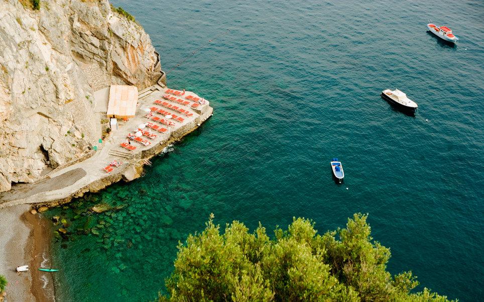 amalfi-part-olaszorszag-vitorlazas-utazas-szallas-hotel-jacht-charter-hajozashu12