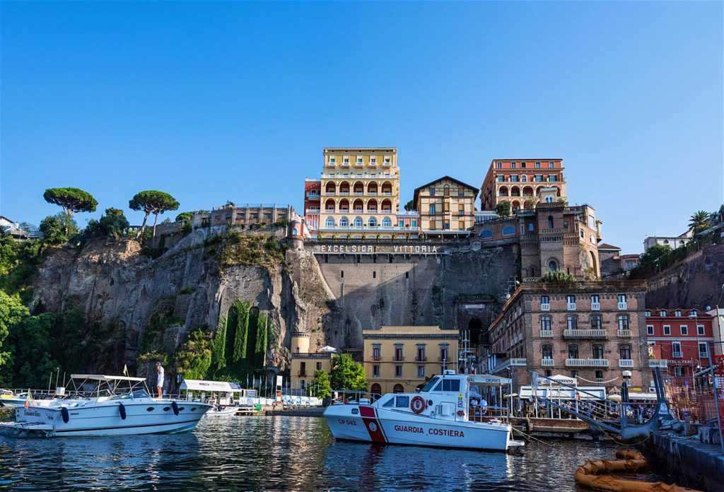 amalfi-part-olaszorszag-vitorlazas-utazas-szallas-hotel-jacht-charter-hajozashu15
