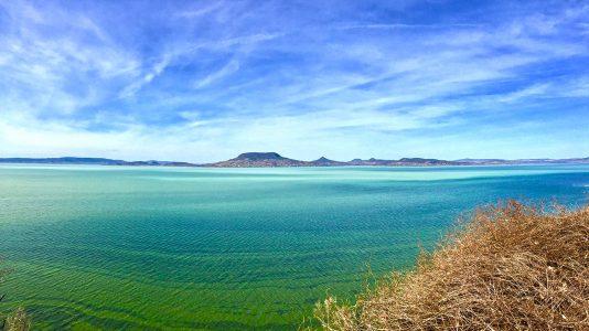 fonyod-magaspart-badacsony-balaton-lakebalaton-landscape-hatterkep-hellobalaton-hajozashu
