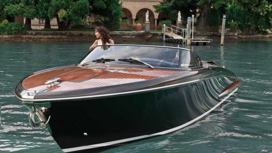 riva-motorcsonak-boat-italy-olaszorszag-hajozashu4