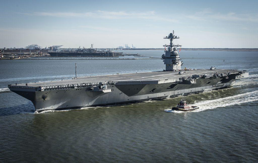 Fotó: Amerikai Egyesült Államok Haditengerészete / Mass Communication Specialist 2nd Class Ridge Leoni