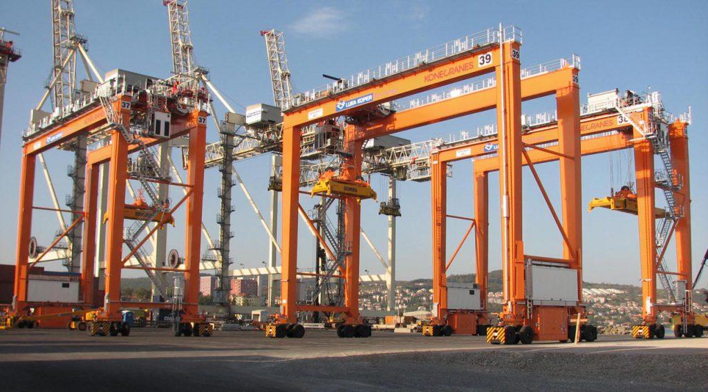 Koper Kikoto Teherhajozas Port Marina HAJOZASHU Daru
