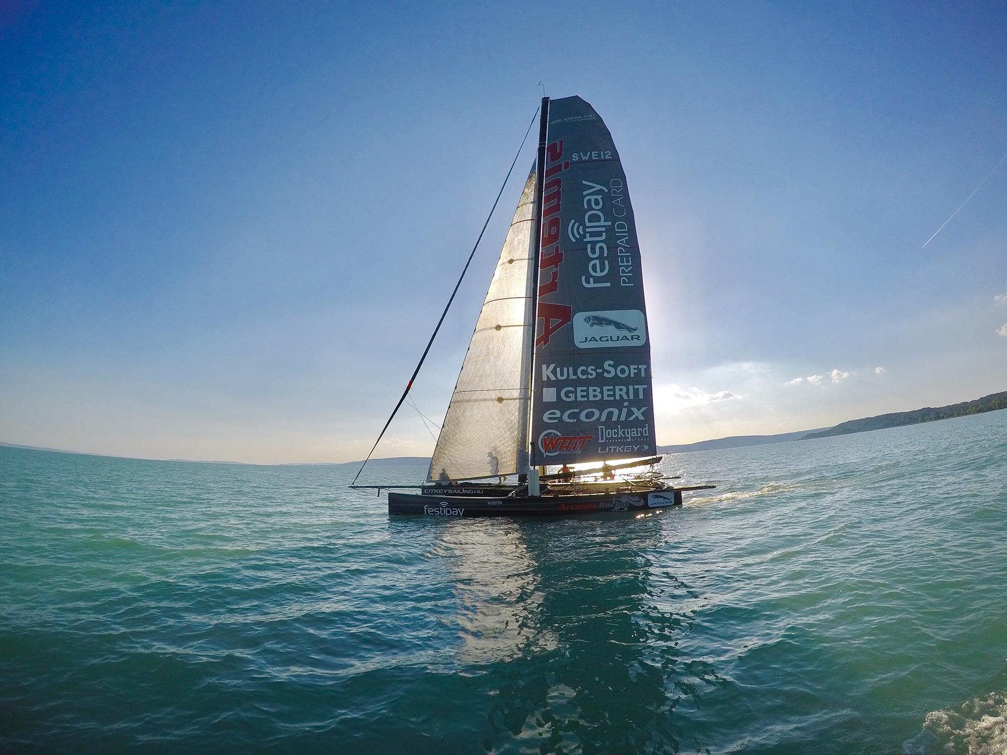 Litkey-Farkas-Farsudar-Decision-35-Catamaran-Kekszalag-Vitorlazas-Sailing-HAJOZASHU