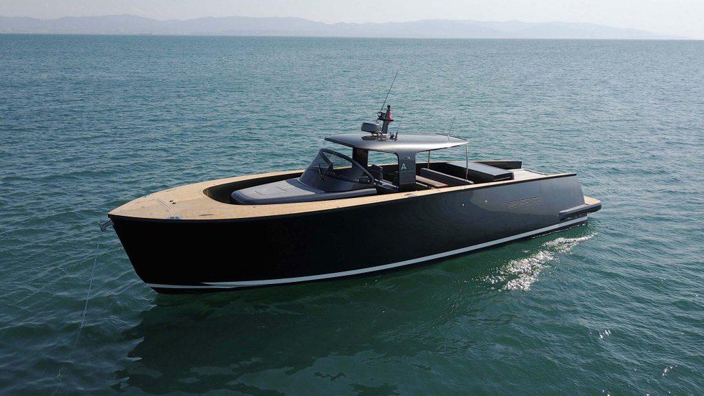 Alen45 Yacht Luxushajo Motorcsonak HAJOZASHU1