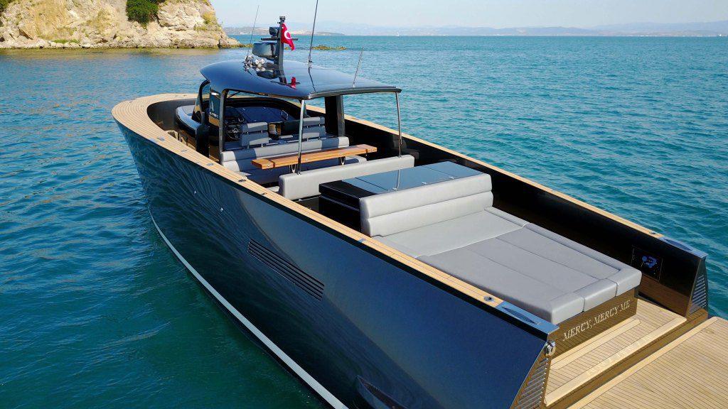 Alen45 Yacht Luxushajo Motorcsonak HAJOZASHU2