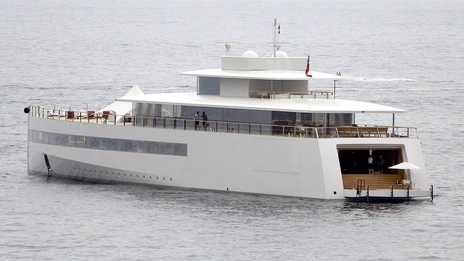 Steve-Jobs-Superyacht-Luxushajo-Philippe-Starck-Tervezo-HAJOZASHU
