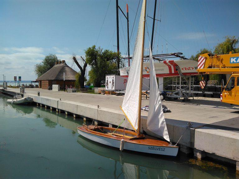 Pirate típusú vitorláshajó
