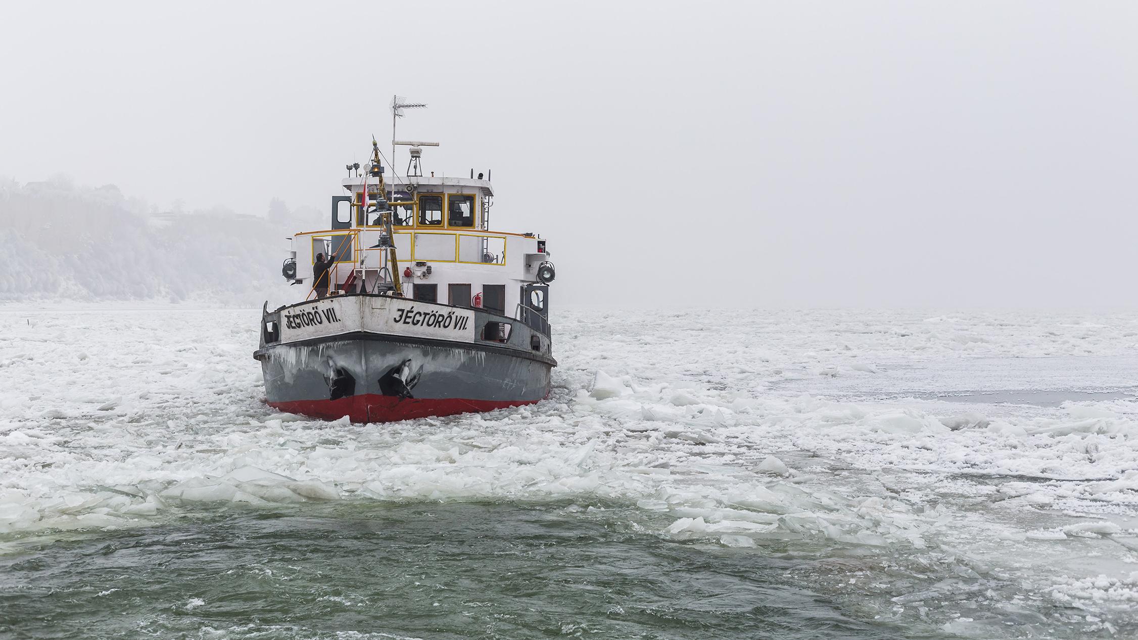 jégtörő tevékenység beszéljünk a horgászatról